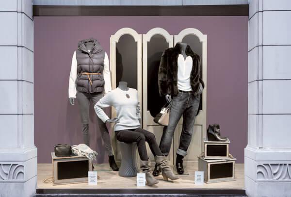 Dame mannequiner i brug